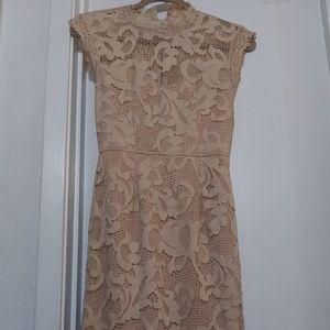 👗 Like New Sans Souci Lace dress (Nude) 👗